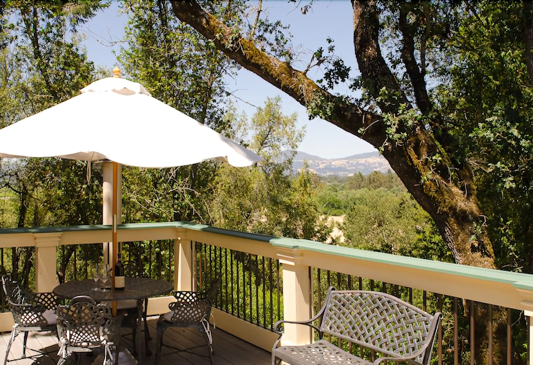 Madrona Manor, Healdsburg, Hus (Carriage House King with Balcony 503), Altan