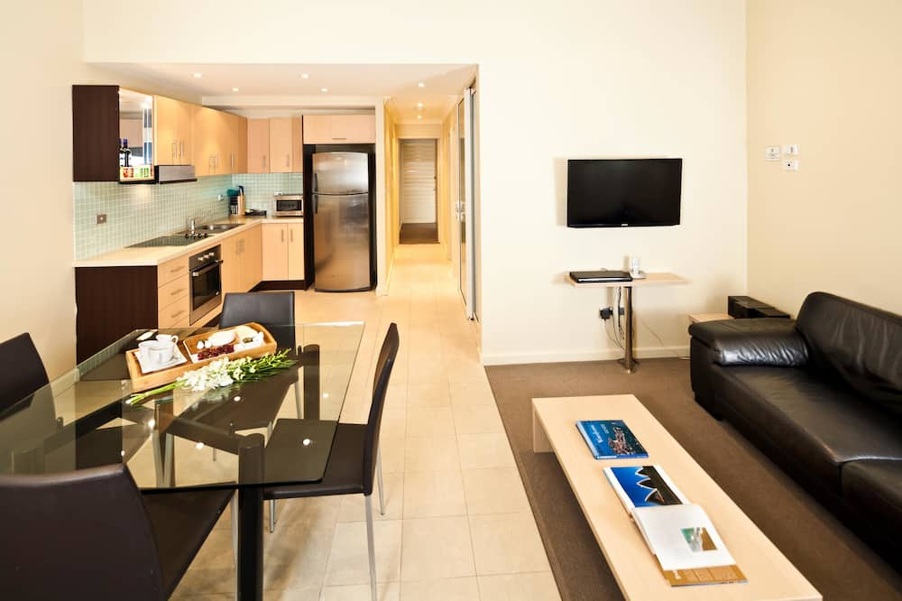 Standard Apartment, 3 Bedrooms, Non Smoking (3 King Beds and 1 Single Bed) - Living Area