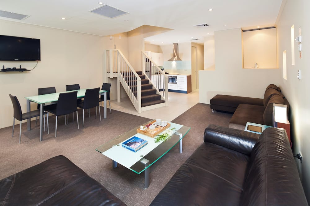 Standard Apartment, Multiple Beds, Non Smoking, Kitchen - Living Area