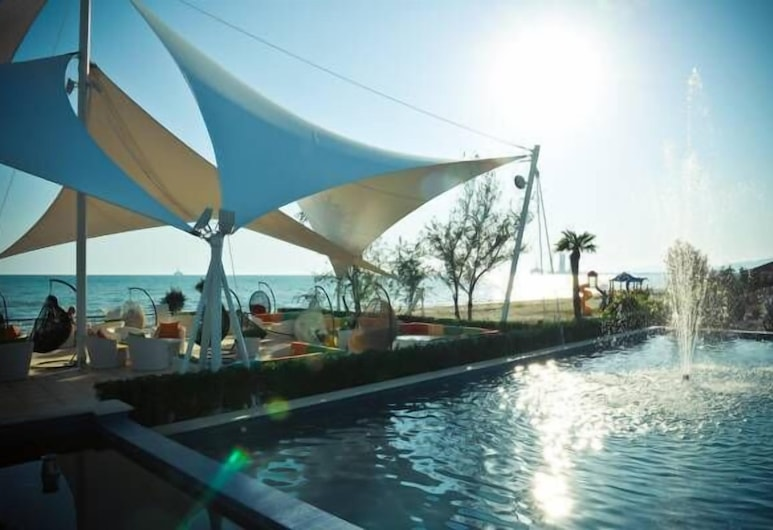 The Crescent Beach Hotel & Leisure Resort, Baku