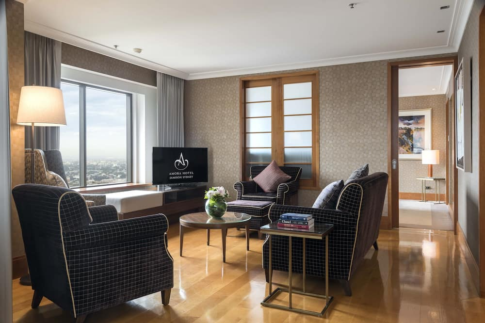 Penthouse, 1 King Bed, Business Lounge Access, City View - Living Area