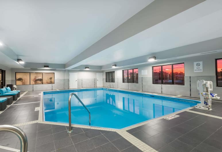 Hawthorn Suites by Wyndham Columbus West, Columbus, Pool