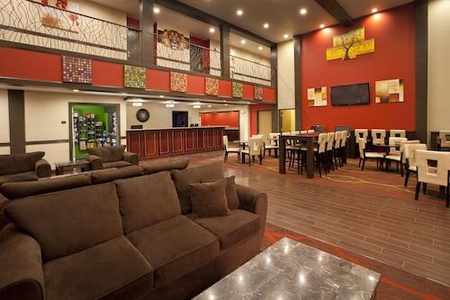 肯特西雅圖紅獅套房飯店/