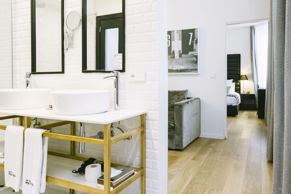 Suite (for 3) - Badezimmer