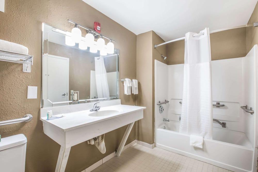 Kambarys, 1 standartinė dvigulė lova, su patogumais neįgaliesiems, Nerūkantiesiems - Vonios kambarys