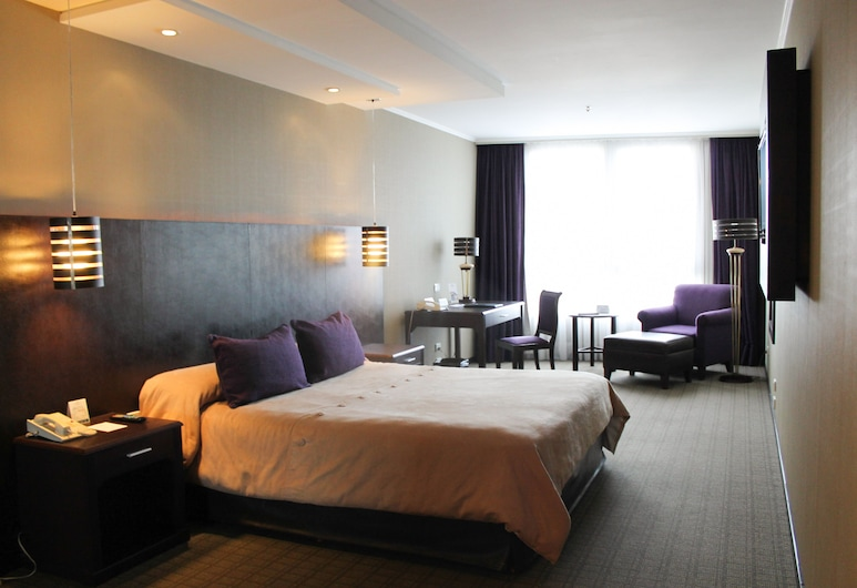 Hotel Howard Johnson Plaza Florida Street, Buenos Aires, Superior Room, 1 King Bed, Guest Room
