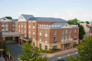 15 Closest Hotels To University Of Virginia Hospital In Charlottesville