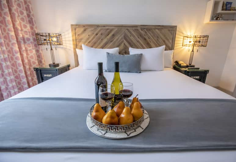 The Whitelaw Hotel, a South Beach Group Hotel, Miami Beach, Standard Room, 1 King Bed, Guest Room