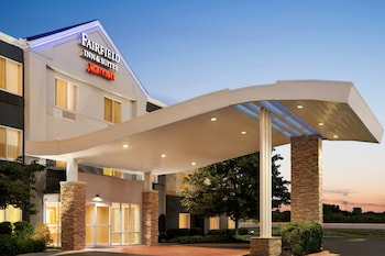Picture of Fairfield Inn & Suites by Marriott Tulsa Central in Tulsa