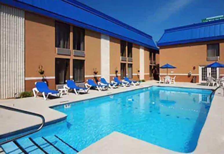 Comfort Inn near Martinsville Speedway, Martinsville, Alberca al aire libre