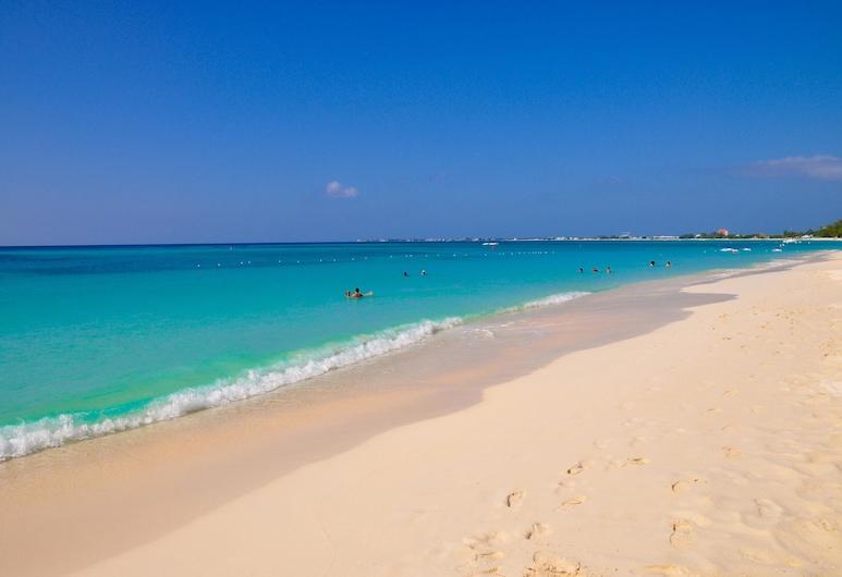 Sunshine Suites Resort, Plaża Seven Mile, Plaża
