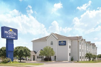 Picture of Microtel Inn & Suites by Wyndham Independence in Independence