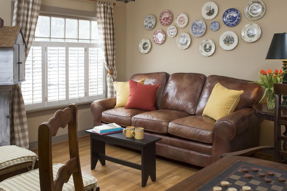 Family Cottage, Multiple Beds - Living Room