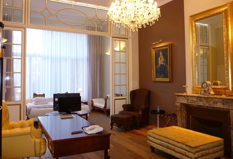 Best Western Plus Park Hotel Brussels, Bruselas, Suite, 1 cama King size, para fumadores, bañera de hidromasaje, Habitación