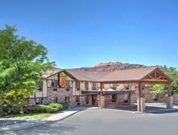 Choose This Cheap Hotel in Moab
