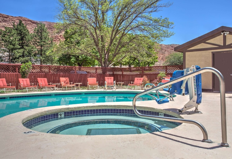 Super 8 by Wyndham Moab, Moab, Piscina