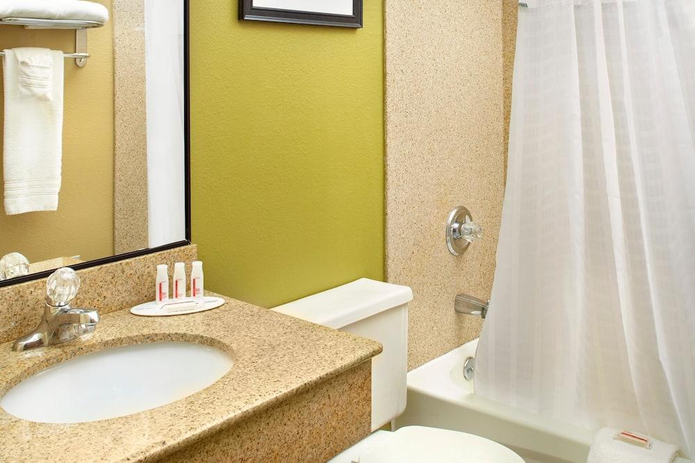 Traditional-Zimmer, 1King-Bett - Badezimmer