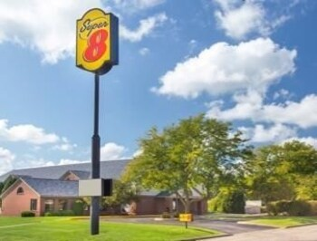Picture of Super 8 Dodgeville in Dodgeville