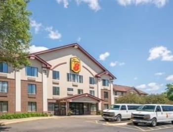 Picture of Super 8 Hotel - Bloomington/Airport MSP Area in Bloomington