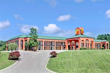 Picture of Super 8 by Wyndham Knoxville East in Knoxville