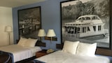 Book this Parking available Hotel in Sicamous