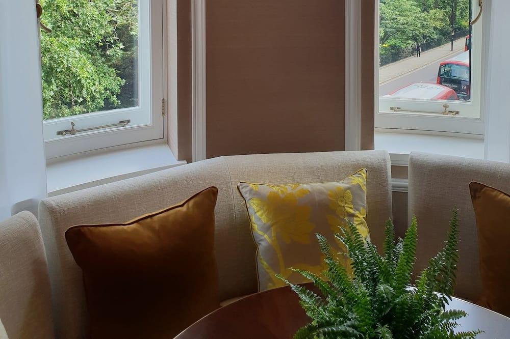 Suite, Park View, Corner (Corner) - Garden View
