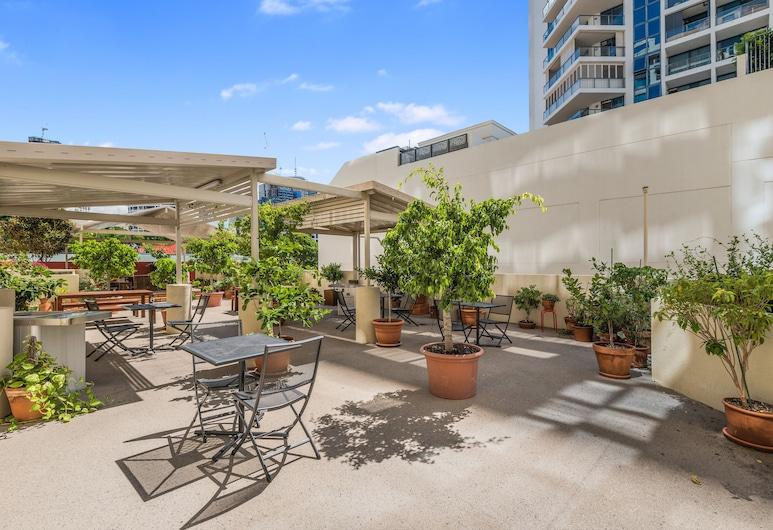 Central Dockside Apartment Hotel, Kangaroo Point, Garden