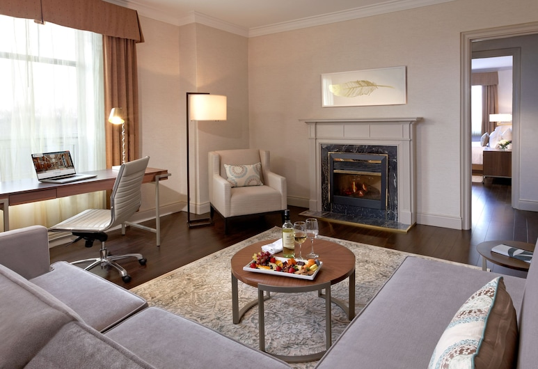 The Lord Nelson Hotel & Suites, Halifax, Premium Suite, Park View, Living Area