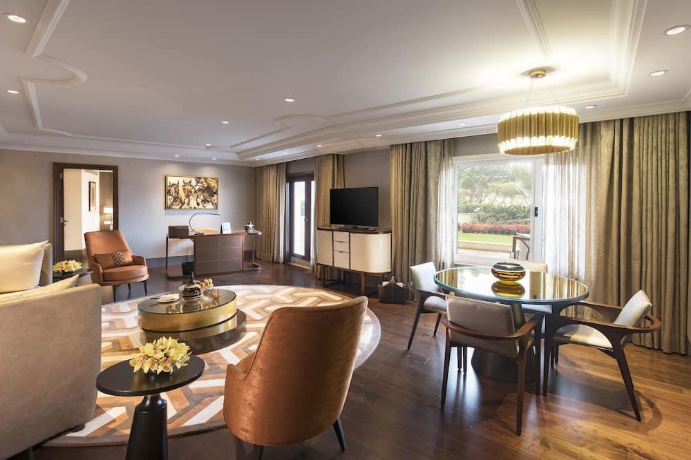 Apartament luksusowy typu Suite, dostęp do salonu biznesowego (1 Way Transfer, Cocktail Hours) - Powierzchnia mieszkalna