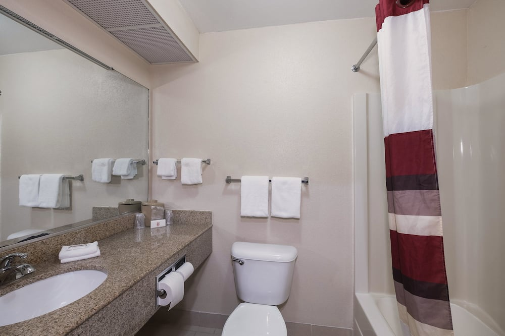 Suite, 1 King Bed, Non Smoking, Jetted Tub - Bathroom