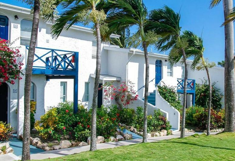 Trade Winds Hotel, St. John's, A szálláshely külső területe