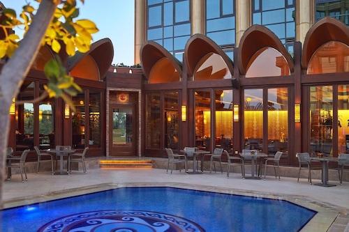 首個公寓開羅四季酒店/