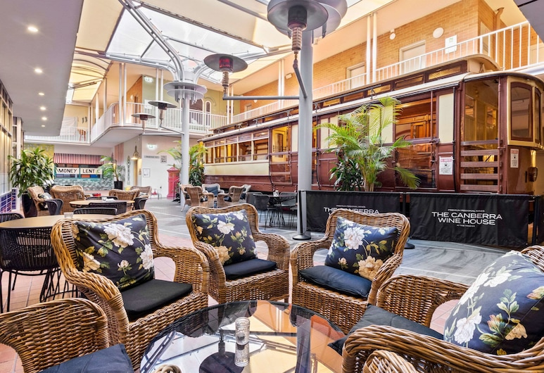Quality Hotel Dickson, Dickson, Terrace/Patio