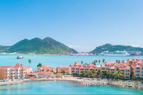 迪韋小灣海灘度假酒店/