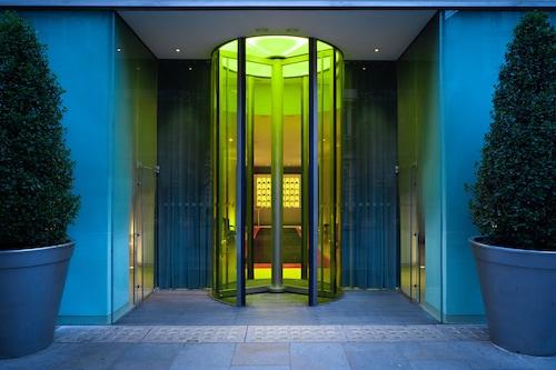 倫敦聖馬丁巷酒店/