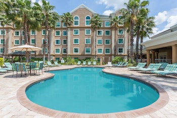 תמונה של Hawthorn Suites by Wyndham Lake Buena Vista, a staySky Hotel באורלנדו