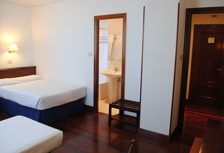 Hotel Zarauz, Zarautz, Double Room with Extra Bed, Guest Room