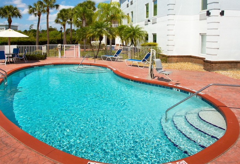 Holiday Inn Express & Suites Port Charlotte, an IHG Hotel, Port Charlotte, Πισίνα