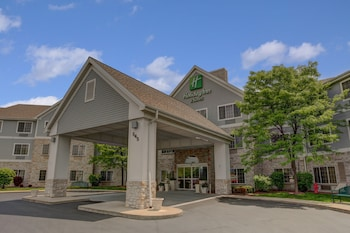 Picture of Holiday Inn Hotel & Suites-Milwaukee Airport in Milwaukee