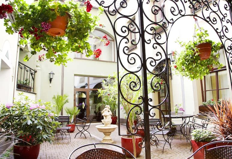 維斯里加老里加城飯店, 里加, 露台