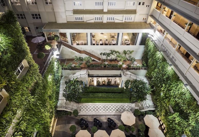 麗士飯店, 胡志明市, 庭院