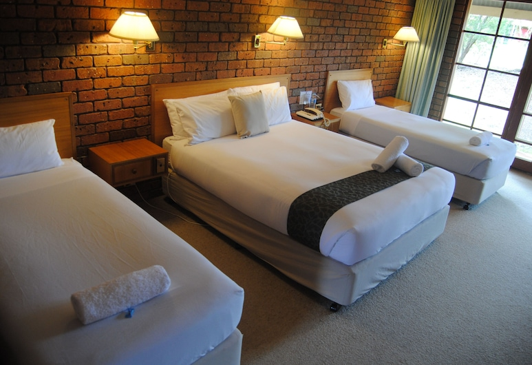 Grange Burn Motel, Hamilton, Triple Room, Guest Room