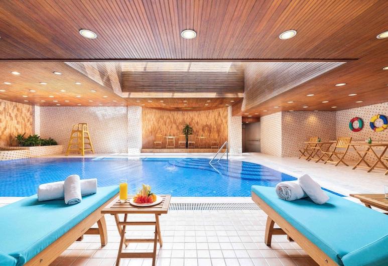 Novotel Beijing Peace, Beijing, Pool