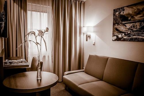 尼瓦飯店/