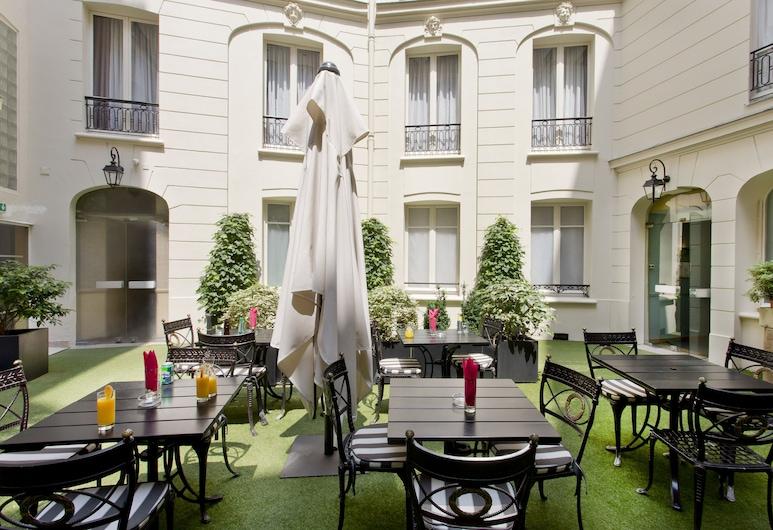 Elysees Union Hotel, Paris, Cour