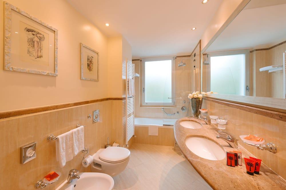 Senior Suite (Single Use) - Bathroom