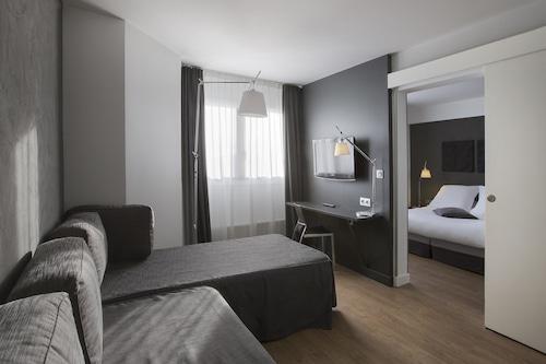 貝斯特韋斯特普拉斯亞歷山大文藝維雅拉特酒店/