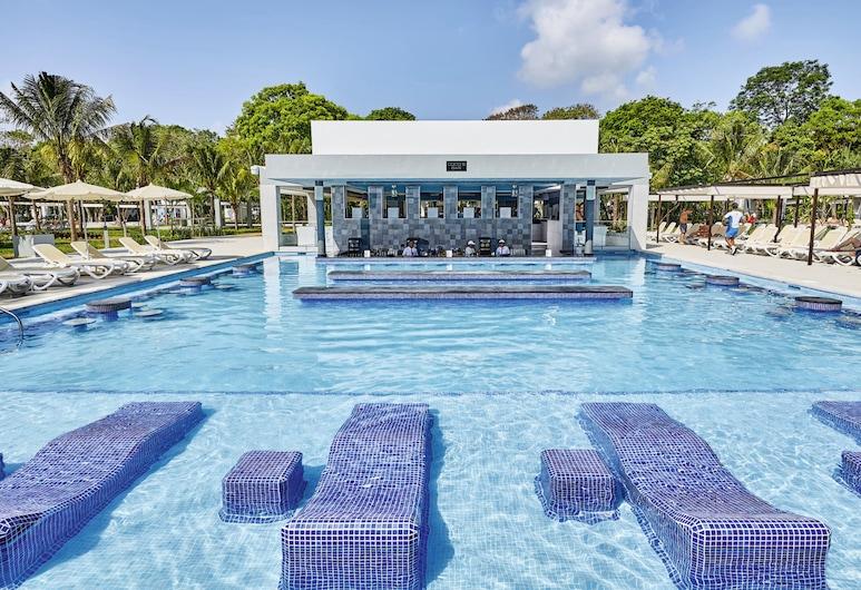 ريو تيكيلا - بسعر شامل جميع الخدمات, شاطئ كارمن, بار على حمّام السباحة