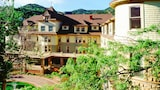 Book this Free Breakfast Hotel in Manitou Springs