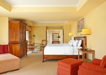 Choose This Luxury Hotel in Frisco